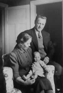 Lärare Lennart Falk med familj 1940.